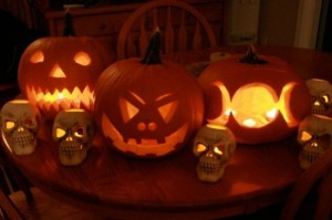 outdoor-pumpkins-halloween-idea-550x366